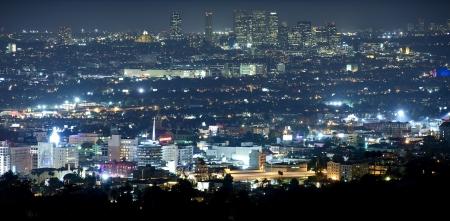 밤 베벌리 힐스 - 파노라마 밤 시간 그래피. 헐리우드와 베벌리 힐스, 캘리포니아, 미국.