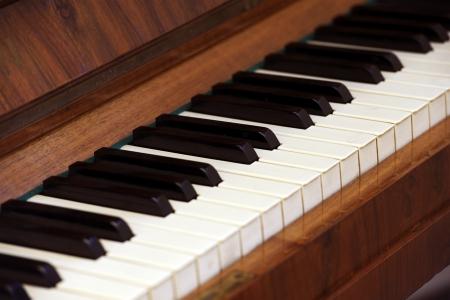 Antieke Sleutels van de piano. Piano close-up fotografie. Muziek Foto Collectie.
