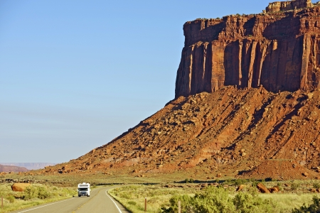Utah Trip. RV Trip Thru Scenic Utah Canyonlands. Southern Utah, USA. 免版税图像