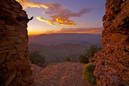 steep cliff: Gran Canyon View. Scenic Grand Canyon Sunset From Watch Tower Place. Arizona, United States.