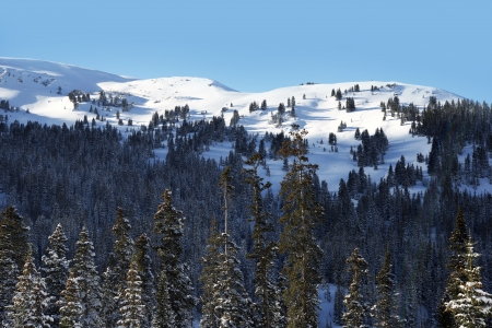 basin mountain: Mountains Landscape in Winter Time. Colorado Winter High Country Scenery Stock Photo