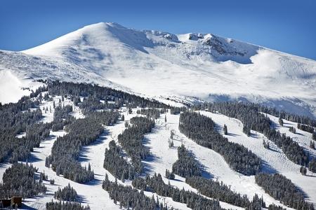 ski slopes: Summit County piste da sci. Inverno a Breckenridge, Colorado, Stati Uniti.