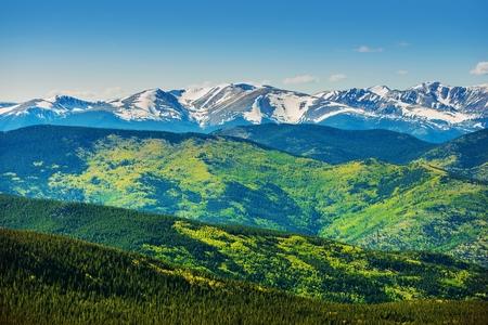 경치 산맥의 파노라마. 늦은 봄에 콜로라도 록키 산맥. 콜로라도, 미국.