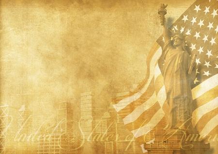 빈티지 미국 배경 자유의여 신상, 미국 국기 및 미국 도시의 스카이 라인 추상 그림. 빈티지 오래 된 종이 디자인. 스톡 콘텐츠