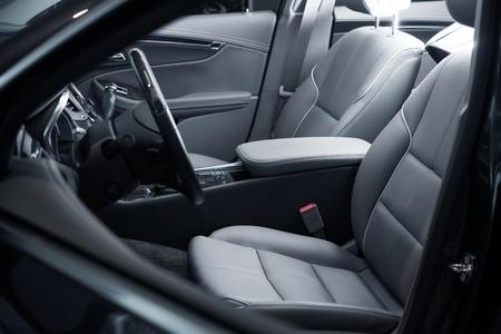 asiento coche: Car Vista interior del lado del conductor. Moderno Diseño Interior del coche.