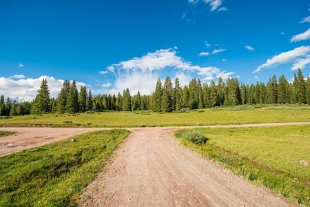 arri�re-pays: Colorado Backcountry routes de gravier. Summer Colorado Outback Destinations. Banque d'images