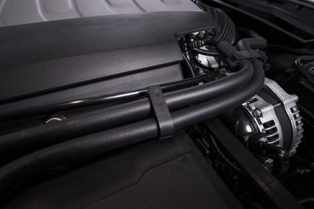 mangera: Motor del vehículo moderno. Super Car Gas Engine Primer.