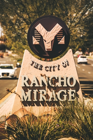 sheep road sign: City of the Rancho Mirage - City Entrance Sign in Vertical Photography. Rancho Mirage, California, United States. Editorial