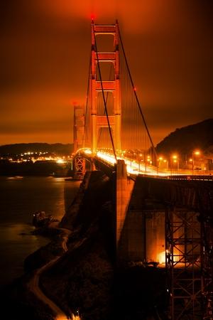 The Golden Gate Bridge at Night in Vertical Photography. San Francisco, California, USA. Foto de archivo