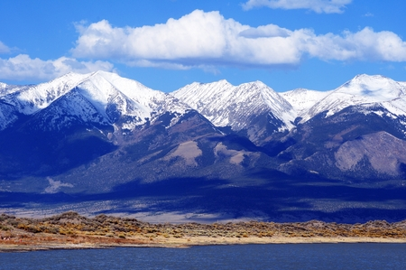 First Mountain Snow in Colorado, United States. Rocky Mountains. Archivio Fotografico