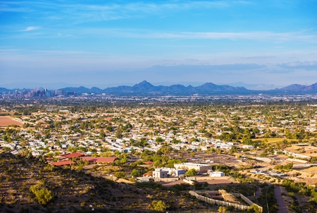 Phoenix Cityscape. November in Phoenix Arizona USA. 版權商用圖片 - 35425847