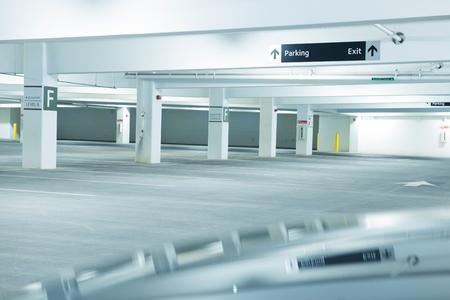 Multi Level Public Parking Space. City Parking Level F. 에디토리얼