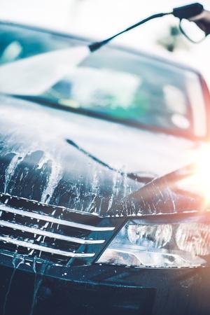 carwash: Limpieza de Primavera del coche. Día de lavado de coches. Tema de Transporte.