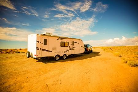 Travel Trailer Adventures. Rving in America South-West. RV in Arizona. Reklamní fotografie - 37873529