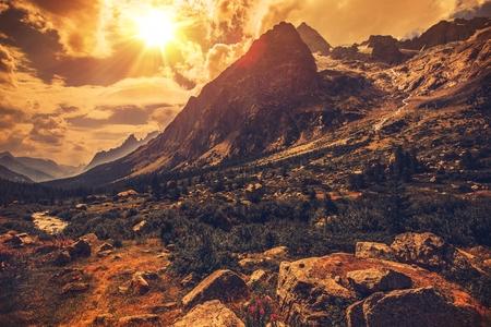 風景: イタリア アルプスの風景です。北イタリアの山の風景。 写真素材
