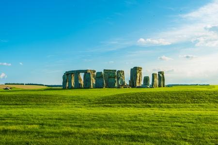 cronologia: El ic�nico monumento prehist�rico de Stonehenge en Inglaterra, Reino Unido. Stonehenge Vista. Foto de archivo