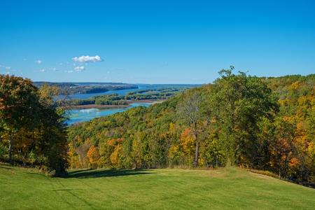 mississippi river: Iowa and Illinois Mississippi River States Border. Scenic Iowa and Illinois Landscape.