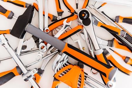 Pila de herramientas de garaje. Las herramientas del conjunto. Concepto de Trabajo Foto de archivo