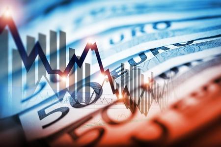 Euro Měna obchodování Concept Ilustrace s Forex čárové grafy a padesát eurobankovek. Trading Business Concept