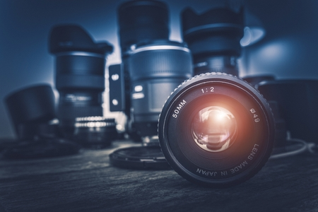 équipement: Camera Lens et de l'équipement Photographie en arrière-plan. Photographie Photo Concept.