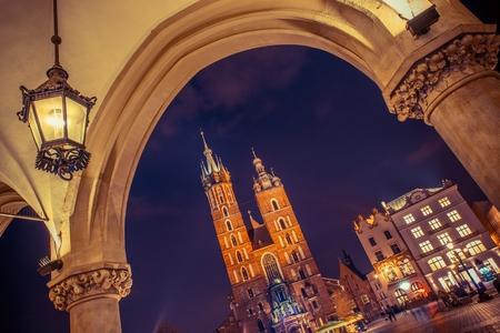 Cracow Mariacki Church. Main Square Cracow, Lesser Poland, Europe. Krakow Old Town. 版權商用圖片