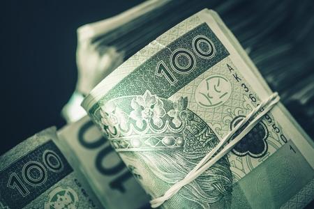 ポーランド ズウォティ現金お金の山。ポーランド ズウォティ紙幣。 写真素材