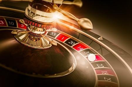 Roulette di giochi del casinò 3D illustrazione del rendering. Gioco d'azzardo di Vegas. Spinning Roulette Closeup.