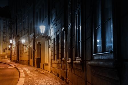 Prague Old Town Straße in der Nacht. Prag, Tschechische Republik oder Tschechien, Europa.