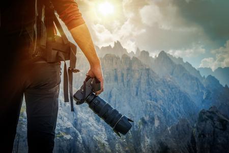 Natuur Fotografie Concept. Professionele Natuurfotograaf en de Mountain Vista.