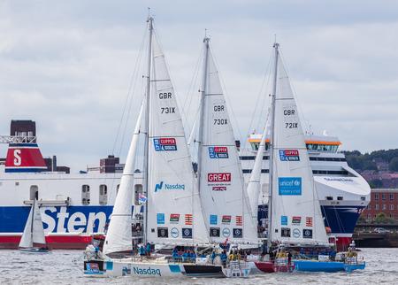 ナスダック、愛イギリス ・ ユニセフ ヨット競争のレース屋 70 フィート海の世界レース周り 40000 海里 12 グローバル チームを見て (今で 11 年目) Liver
