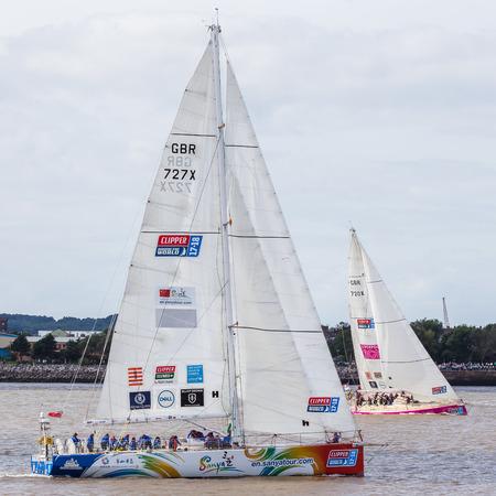 (今で 11 年目) 川 Mersey.The クリッパー レースでチーム亜 & リバプール 2018 クリッパー船は、70 フィートのオーシャン ヨットをレースの世界レース周