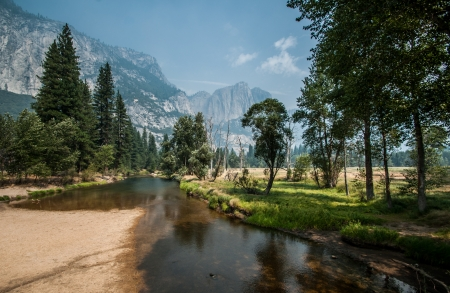 Yosemite nice river for walking