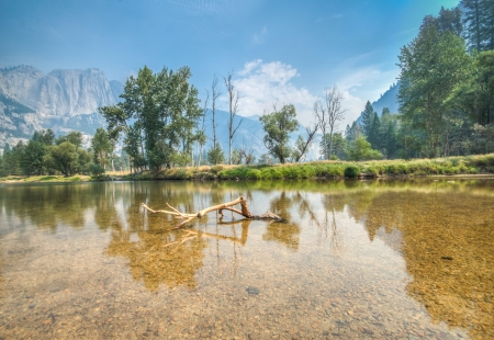 ble: Yosemite river view with ble sky Stock Photo