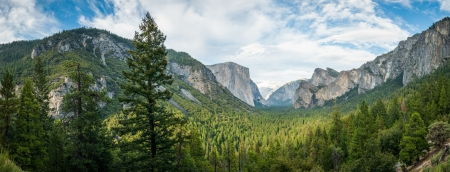 Yosemite panorama photo
