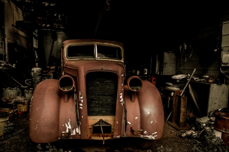 Jerome Arizona Ghost Town mine and old car garage Standard-Bild