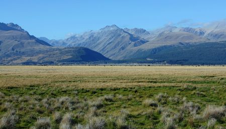 Mount Cook in New Zealand on a blue day Stock Photo - 5965689