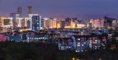 prosperidad: Qingdao antigua ciudad de la noche