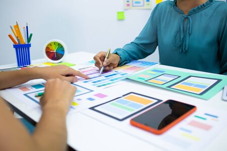 concept Team designers Presentation model the mobile phone screen to suit their usage.UX UI