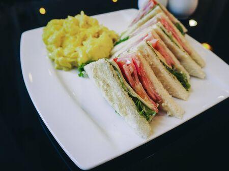 Ham & Cheese Sandwich On a white plate Foto de archivo - 138084052