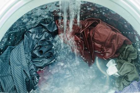洗濯機に服 写真素材