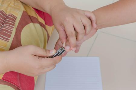 nails: Nails cutting