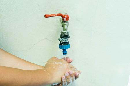 lavandose las manos: Manos de limpieza. Lavándose las manos.