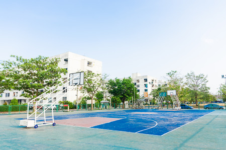 ou: basketball court in park