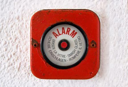 Alarme incendie Vieux. Dans le cas d'un feu de briser le verre et régler l'alarme. Banque d'images - 7838584