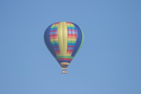 Shiloh Ranch Regional California airballoon.  The park includes oak woodlands, forests of mixed evergreens, ridges with sweeping views of the Santa Rosa Plain, canyons, rolling hills, a shaded creek,  写真素材