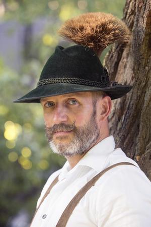 portret van een Beierse man met hoed Stockfoto