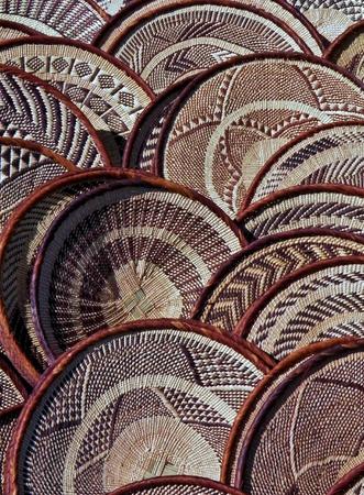 hand woven: tessuti a mano cesti di arte africana