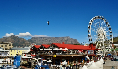 Ferris Wheel at the V A waterfront with Table Mountain in the background