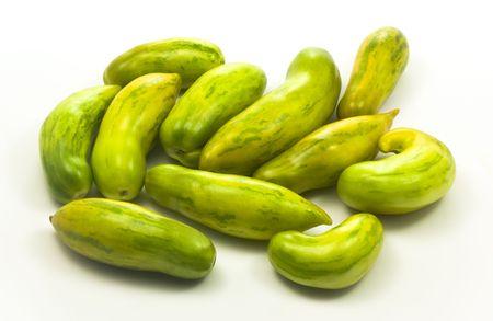 Vert et diff�rents en forme de tomates biologiques