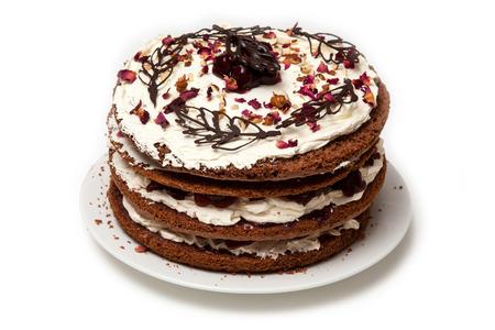cream on cake: Bosque Negro Gateau pastel de crema aislado en un fondo blanco del estudio.
